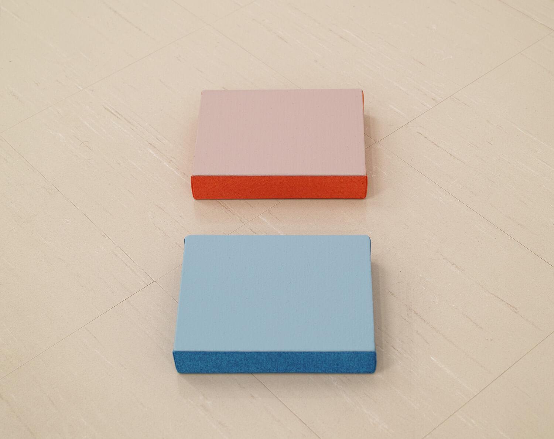 鈴木隆 Text No.1003 acrylic on canvas 18 x 14 x 3.5 mm each 2014