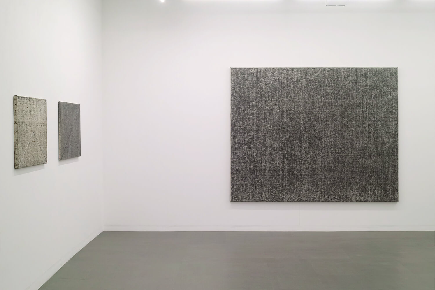 Drawing by drawing, Oil, crayon, chalk on canvas, 60.5 x 72.5 cm, 1978 (left)<br>Drawing by drawing, Oil, crayon, chalk on canvas, 60.5 x 72.5 cm, 1978 (center)<br>Drawing by drawing, Oil, crayon, chalk on canvas, 182 x 227 cm, 1979 (right)