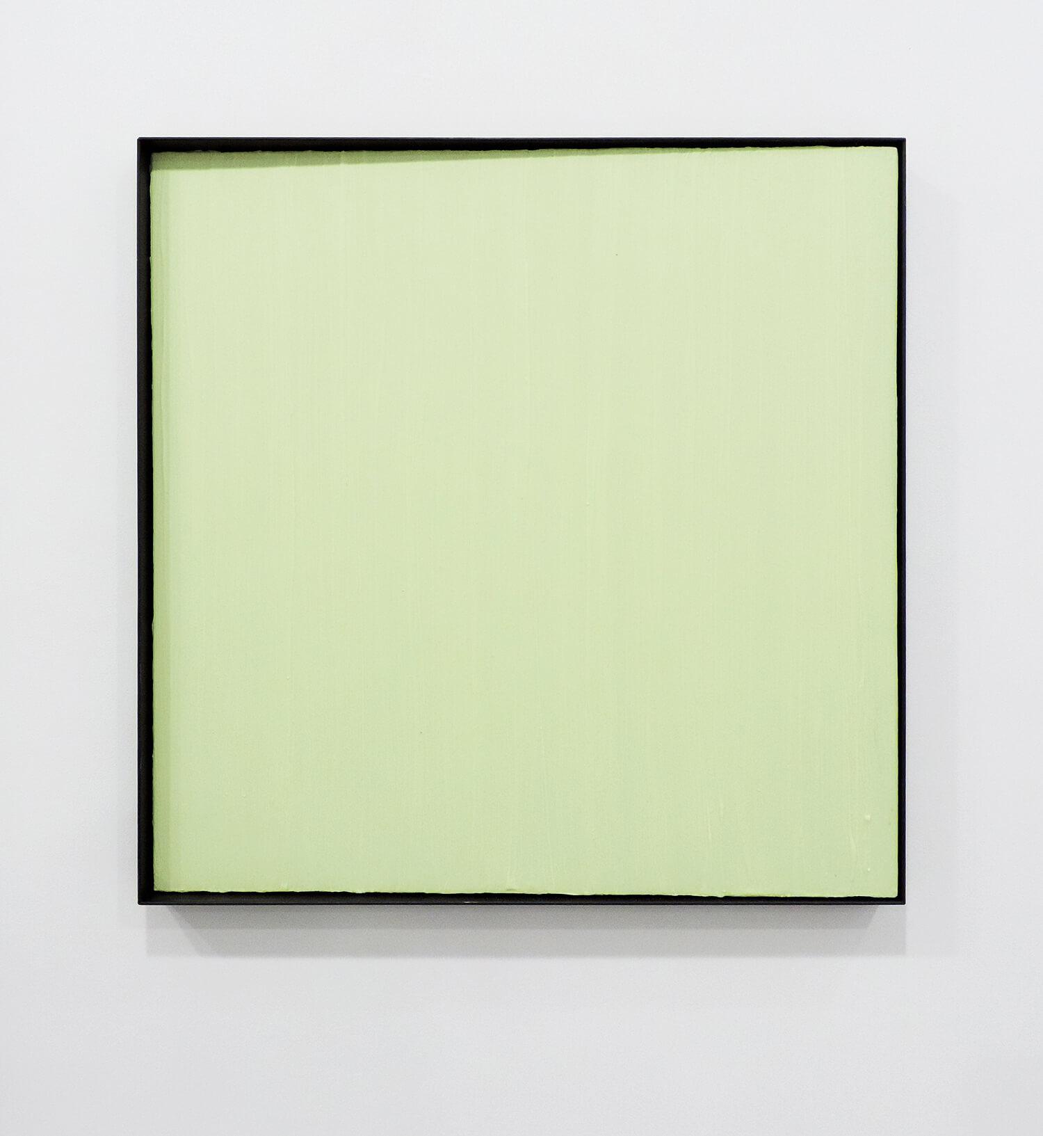 <b>縦方向の線で構成される四角形</b><br>パネルにアクリル絵の具、蓄光粉末、鉄製フレーム<br>600 × 600 × 40 mm<br>2014