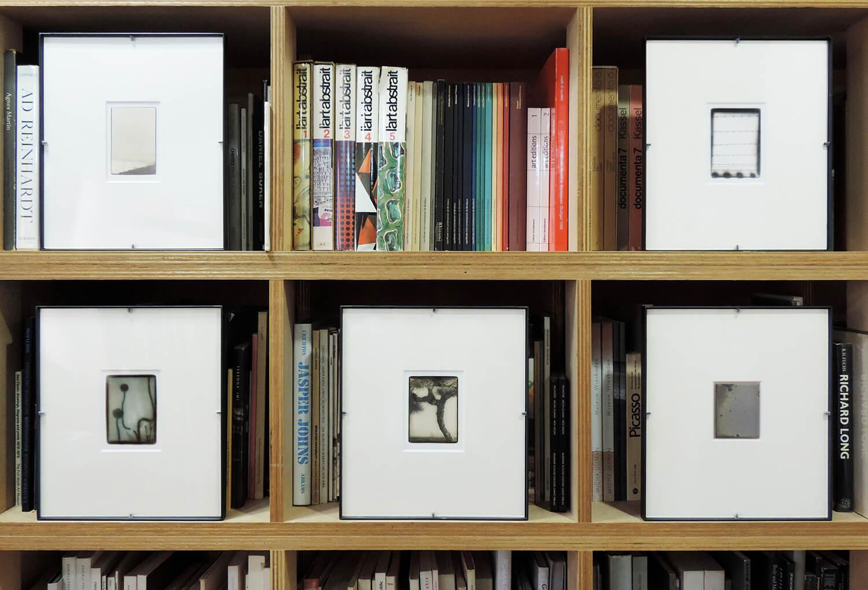 <b>四つの隙間 2010、diorama 2010、雨霧 2007、徐々にわずかに 2007、To image 2007</b><br>ゼラチンシルバープリント、鉄製フレーム(各)<br>320 × 280 mm(各フレームサイズ)