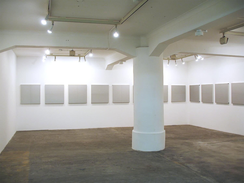 メタリックシルバー<br>ジョイント2パネル<ベークライト> 20 pieces, 79.5 x 79.5 x 6 cm each, 2006<br>ギャラリーヤマグチクンストバウ