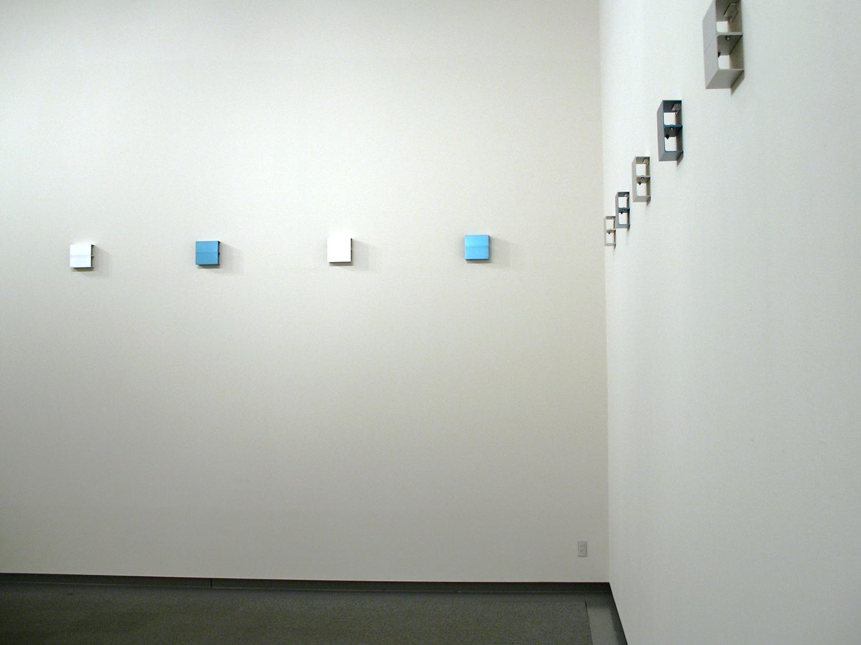 アノダイズドアルミニウム Blue & Siver<br>22 pieces, 6 sets, 35 x 35 cm each <br>愛知県美術館