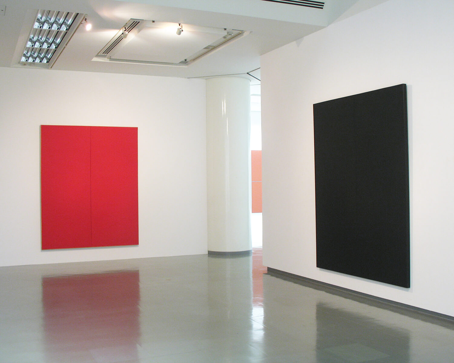 red 1961<br>acrylic, pigment on canvas (2 panels), 254.0 x 204.5 cm / col. Takamatsu City Art Museum (left)<br>black 1961<br>acrylic, pigment on canvas (2 panels), 254.0 x 203.5 cm / col. Kitakyushu Municipal Museum of Art (right)