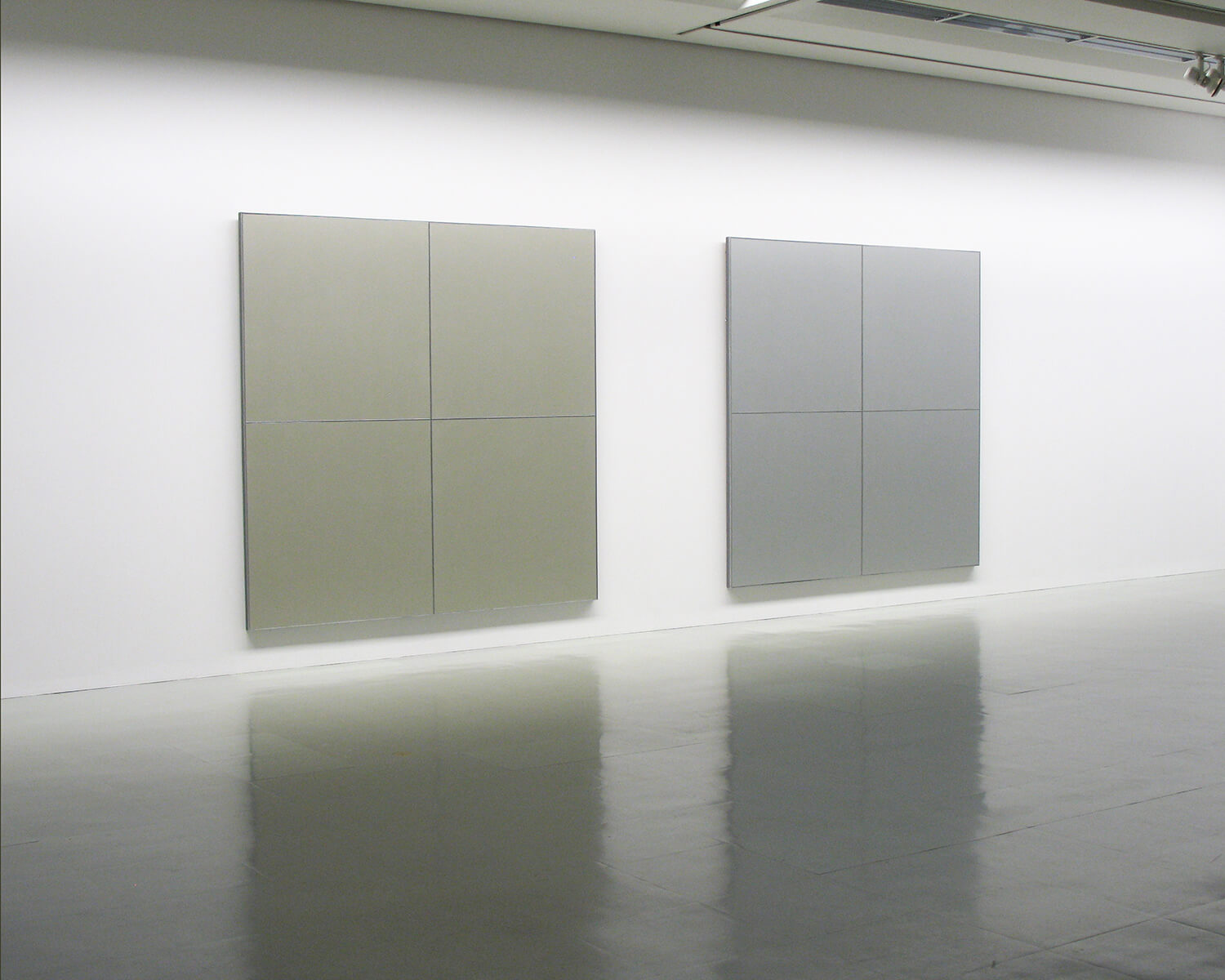 gold 1978-79<br>acrylic on canvas with aluminum strips (4 panels), 243.8 x 243.8 cm / col. Nagoya City Art Museum (left)<br>silver 1978-79<br>acrylic on canvas with aluminum strips (4 panels), 243.8 x 243.8 cm / col. Nagoya City Art Museum (rght)