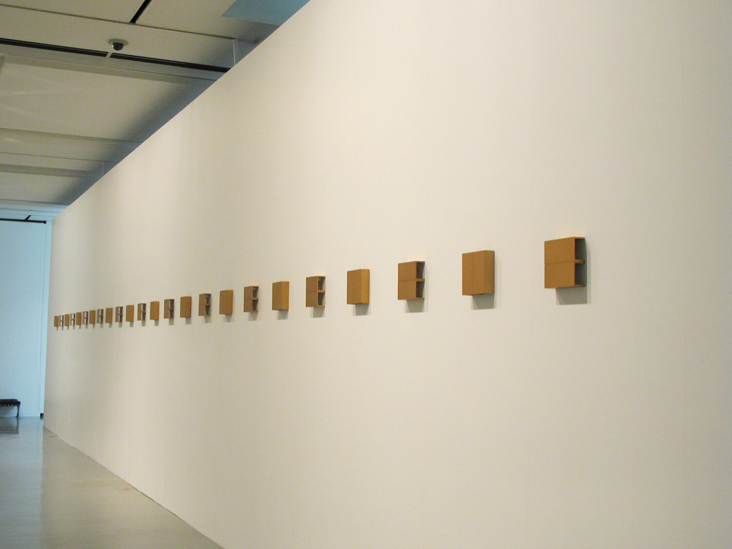 gold, 2003<br>anodized aluminum (2 panels/ 24 pieces) / 
