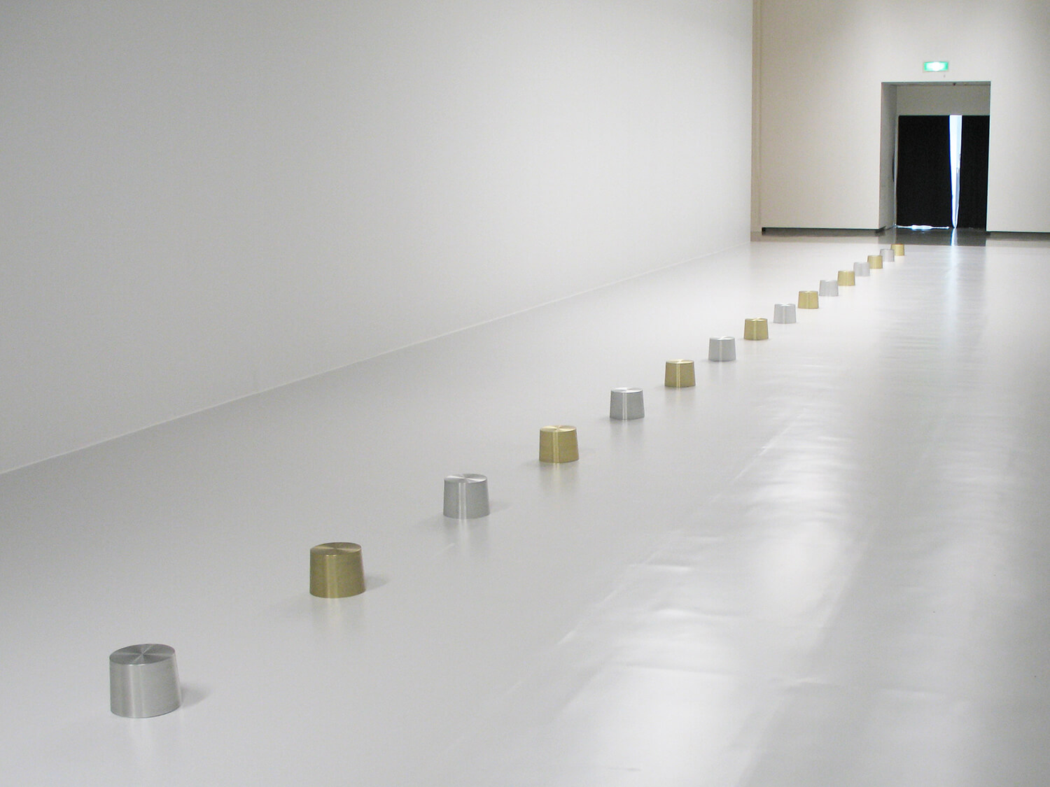 gold and silver, 2008<br>anodized aluminum (16 pieces) / top dia 17.8, bottom dia 19.9, h. 14.9 cm each / col. Private, New York