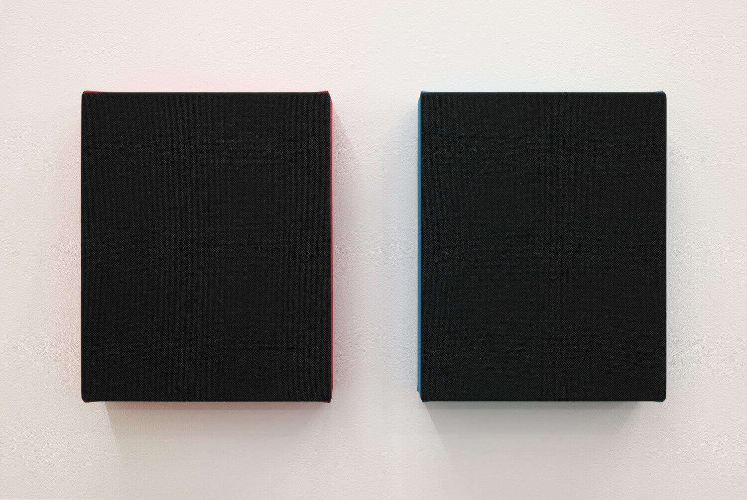 Text No.1122 / acrylic on cotton, 280 x 229 x 50 mm, each (set of 2), 2017