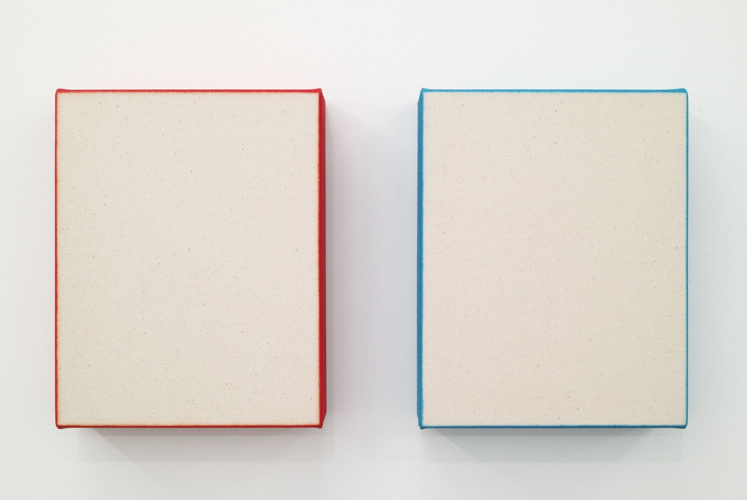 Text No.1117 / acrylic on cotton, 280 x 229 x 50 mm, each (set of 2), 2017
