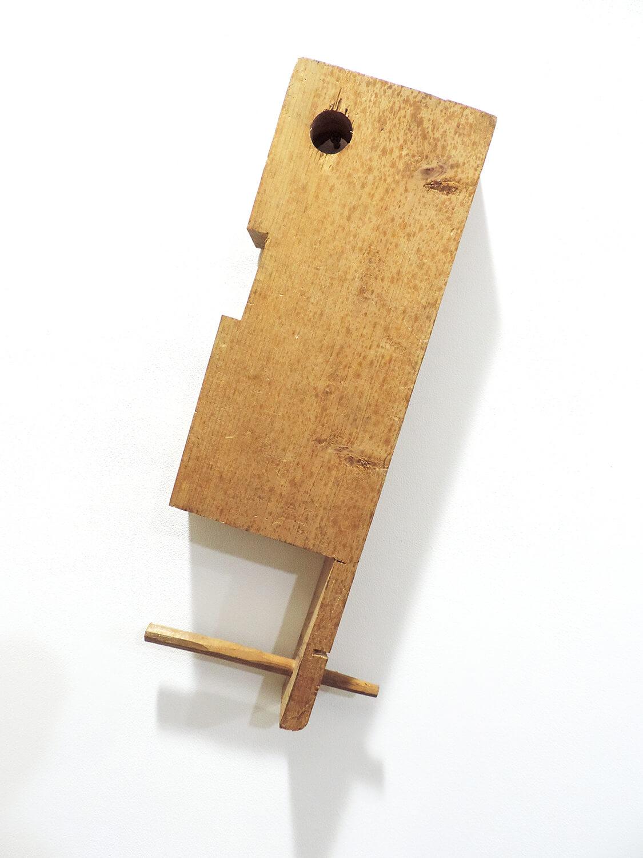 <b><br>Making uneven on wood / 木に凸凹をつけて彫る2コーそれをぼんくらの壁で組む</b><br>Wood 34 x 14 x 4.5  cm 1991