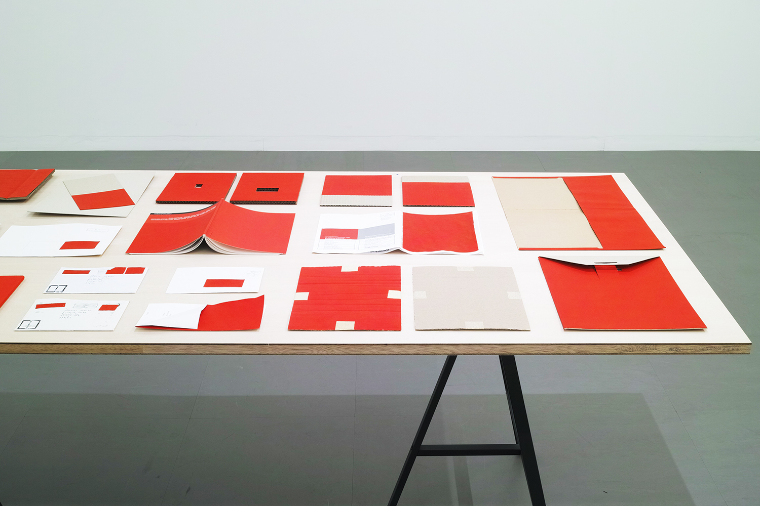 Installation view on table