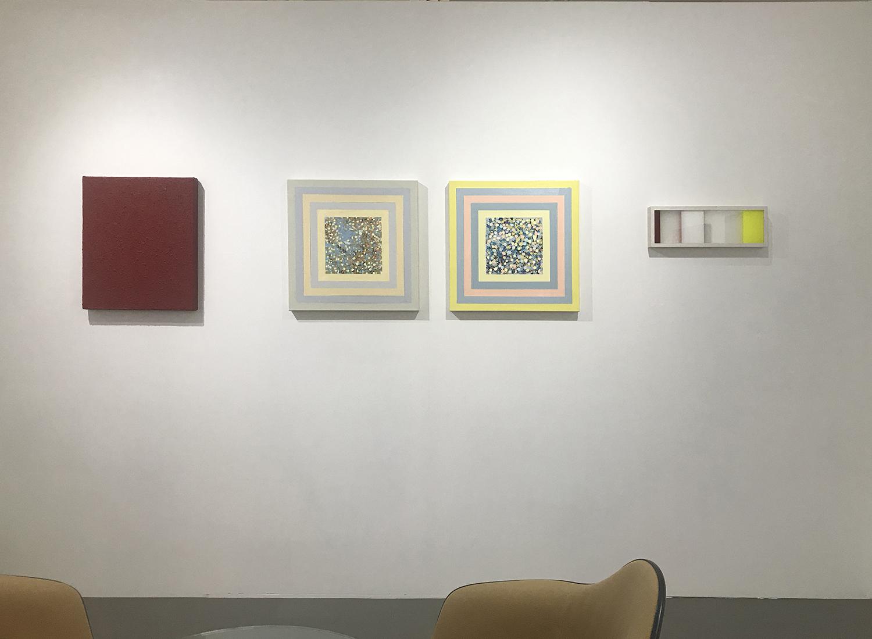 展示風景: Moon Pil SHIM|サイモン・フィッツジェラルド|北𡌛吉彦(右より)<br>installation view: MOON PIL SHIM|SIMON FITZGERALD|YOSHIHIKO KITANO (from right)