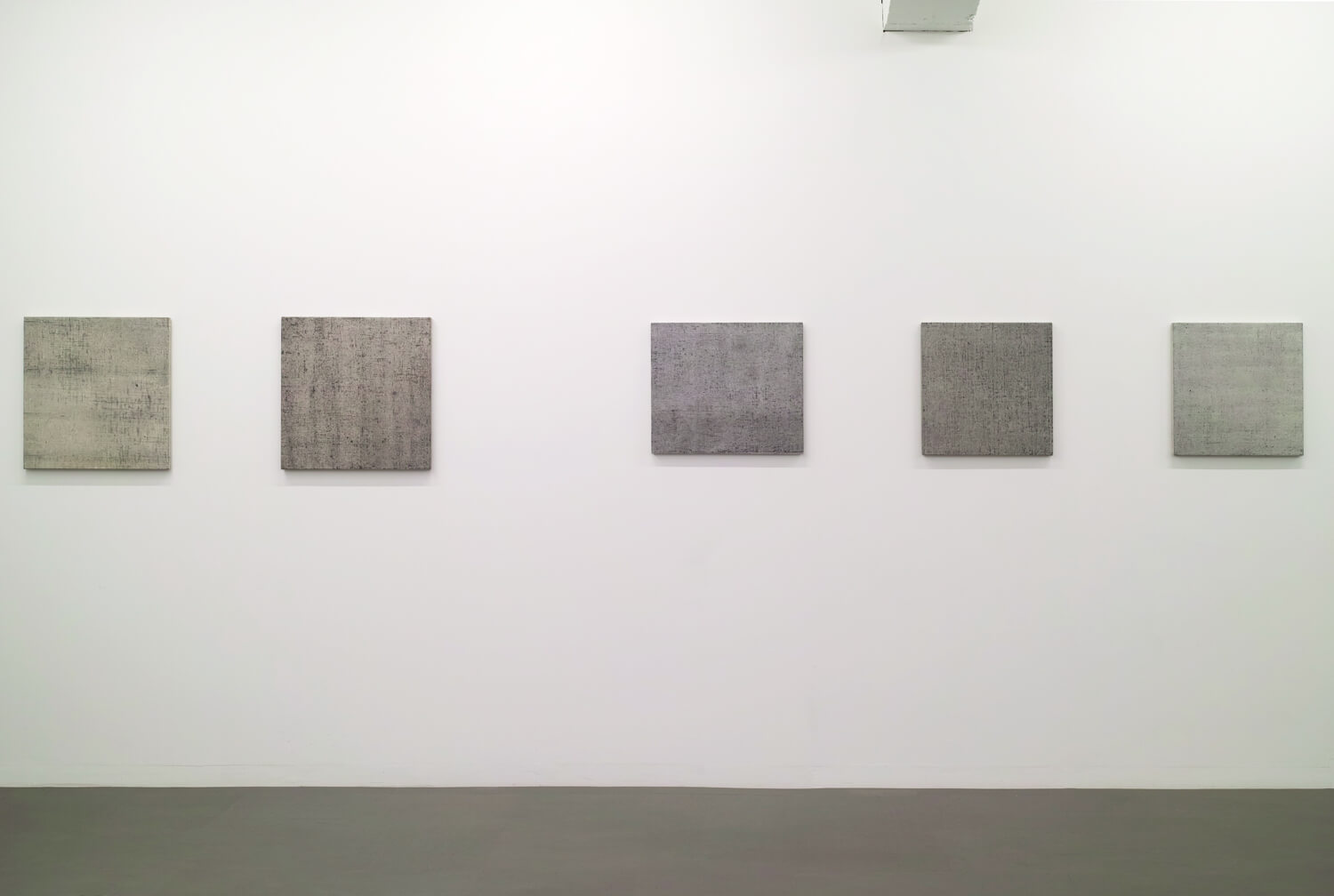 from left<br>Drawing by drawing, Oil on Canvas, 53 x 53 cm, 1977<br>Drawing by drawing, Oil on Canvas, 53 x 53 cm, 1977<br>Drawing by drawing, Oil on Canvas, 45.5 x 53 cm, 1979<br>Drawing by drawing, Oil on Canvas, 45.5 x 45.5 cm, 1979<br>Drawing by drawing, Oil on Canvas, 45.5 x 45.5 cm, 1979