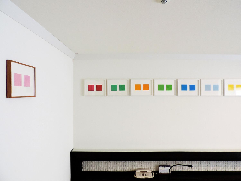 Zwei Farbchen(二つの四角い色)<br>color paper and color pencil on paper<br>17 x 23.8 cm each<br>2009-15