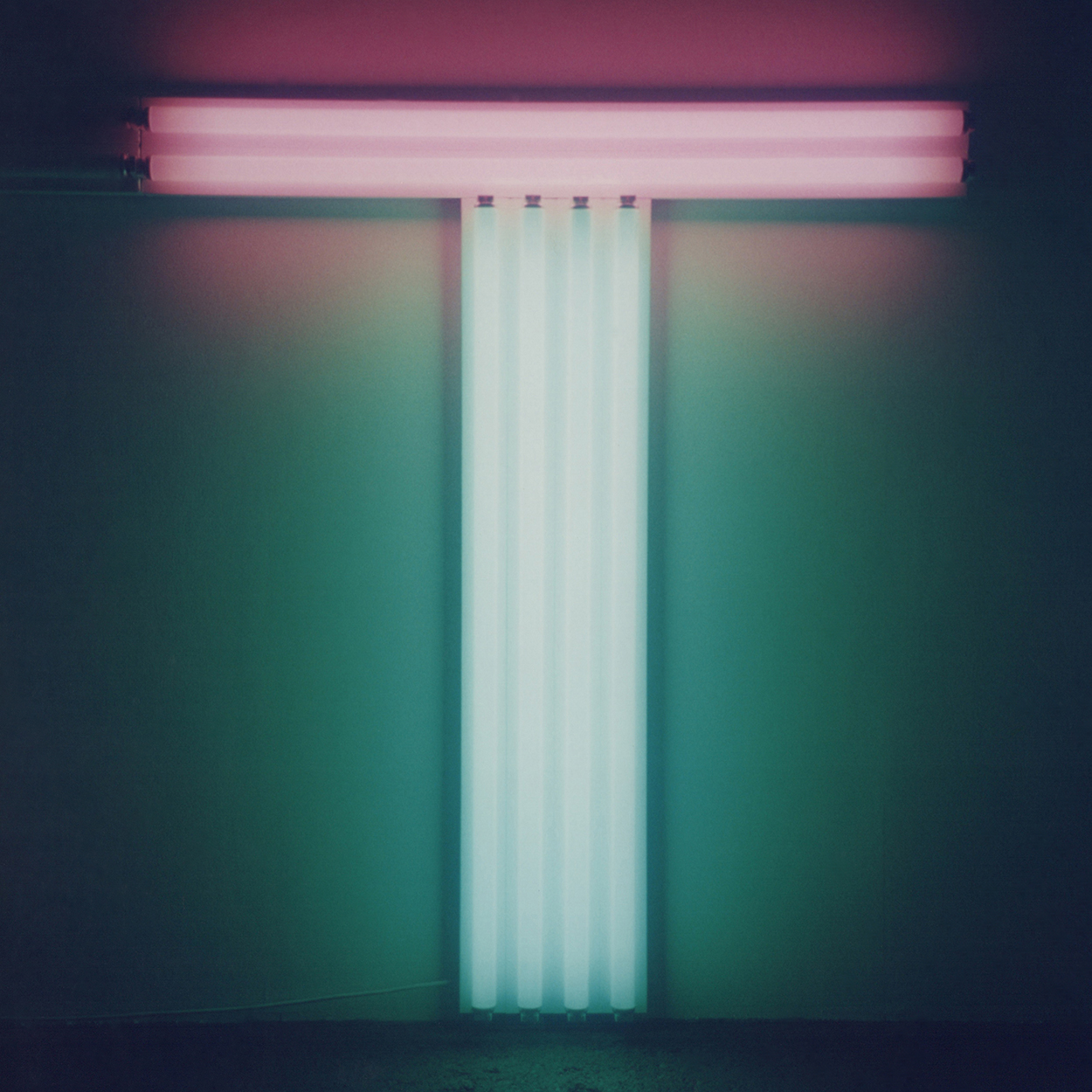 Untitled (To Don Judd, colorist)|green and pink fluorescent lights|137 x 122 x 10 cm|1987