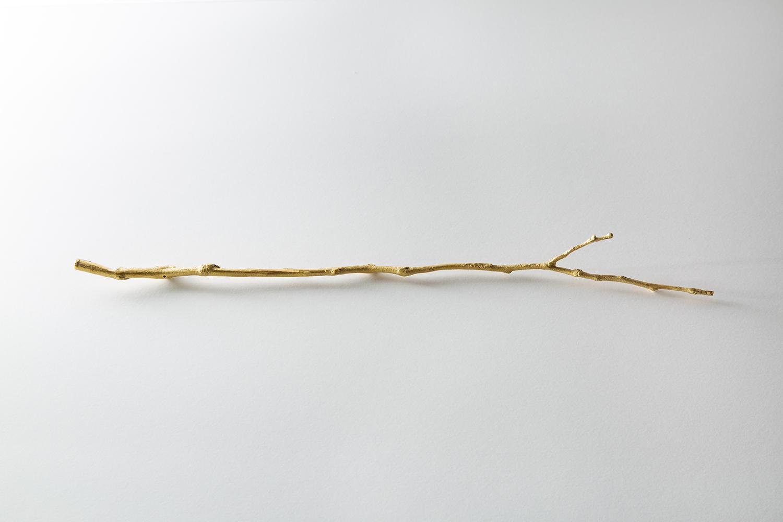 ニワ ヲ ミル|looking at garden|鋳造|cast|2011-14
