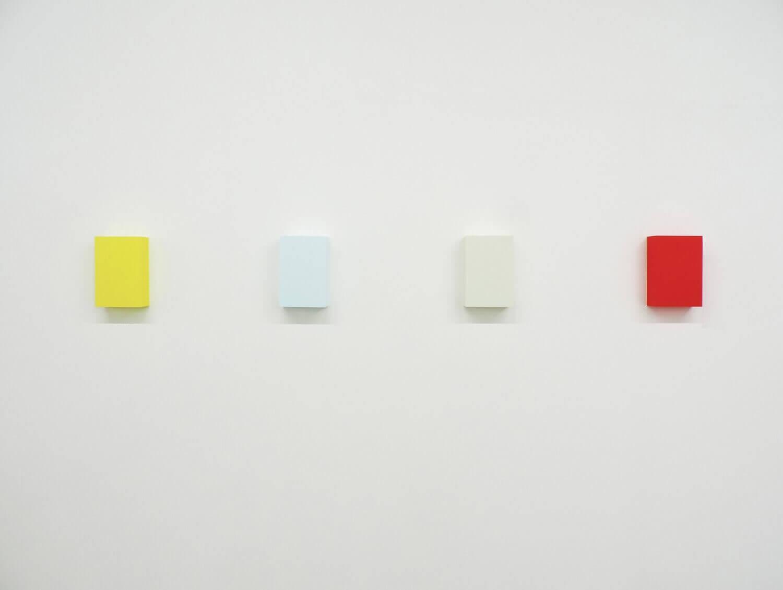 WORK16-7(lemon) / WORK16-4(light blue) / WORK16-6(ivory) / WORK16-2(red)アクリルにシルクスクリーン , 10 x 15 x 4 cm , 2016