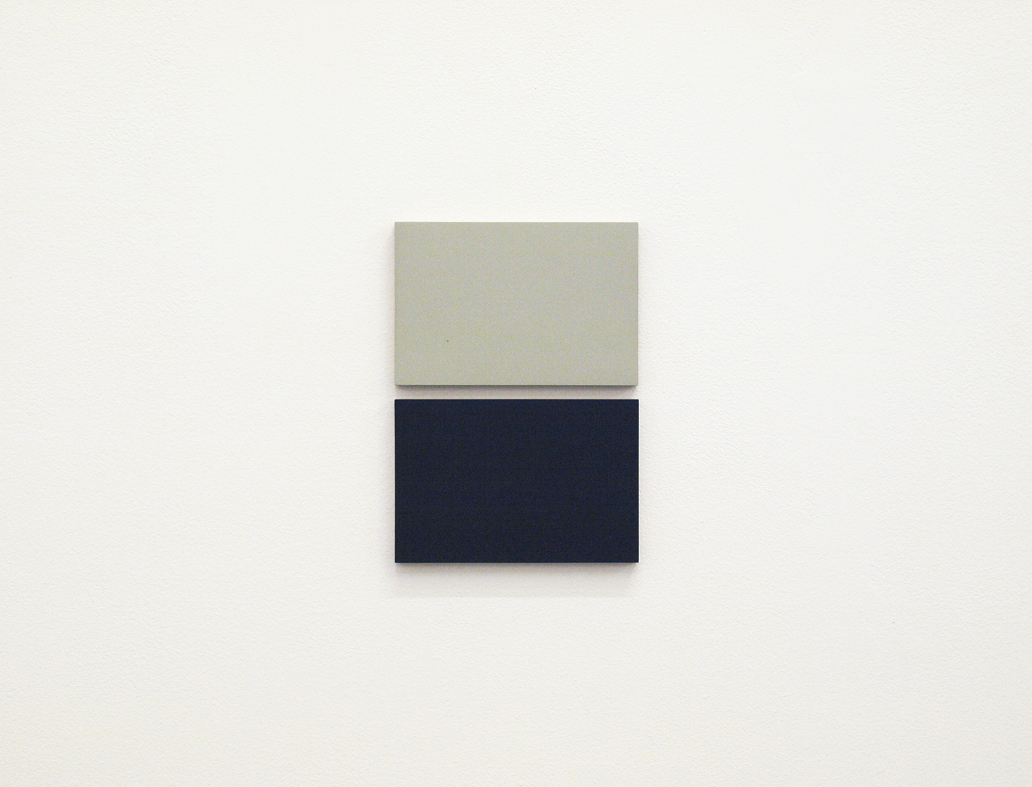 2col-09(gray & dark gray)casein, pigment on canvas & aluminum (2 parts, 10 x 15 cm each)