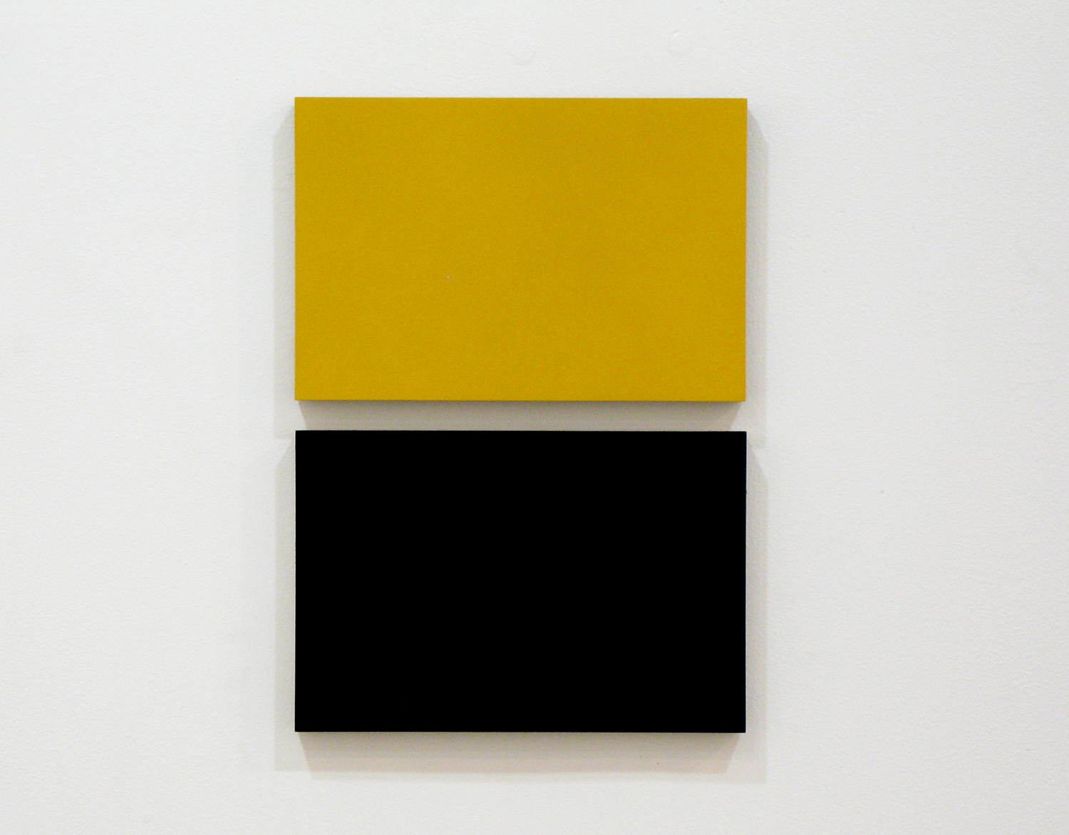 2col-09(ochre & black)casein, pigment on canvas & aluminum (2 parts, 10 x 15 cm each)