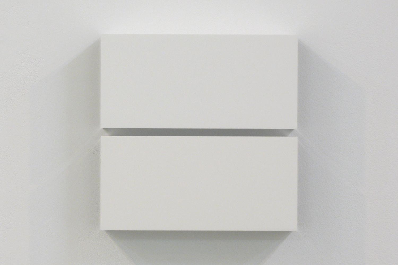 越野 潤|JUN KOSHINO<br>Two Colors 2|Aluminum, casein, pigment|25 x 25 x 6 cm|2011