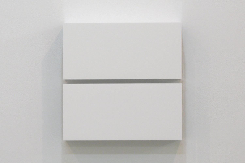 越野 潤|JUN KOSHINO<br>Two Colors 5|Aluminum, casein, pigment|25 x 25 x 6 cm|2011