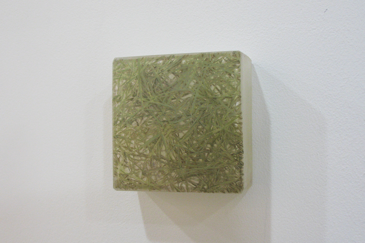 Photo-painting 草上のかおり-7|Scent on the grass-7 |7.5 x 7.5 x 3 cm|Oil on FRP, mixed media| 2009