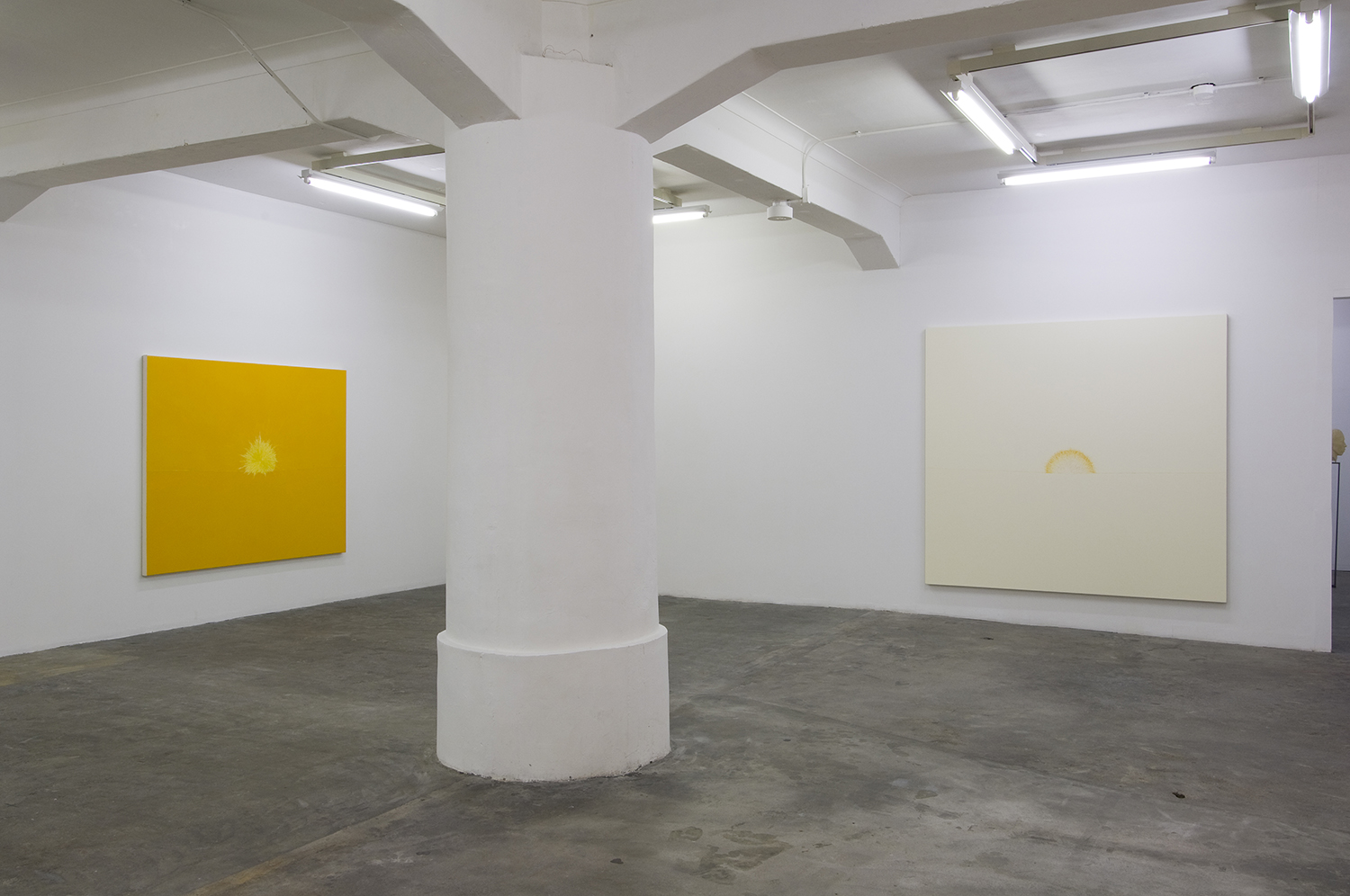 left: The rising sun 2008-11(03)|oil on canvas|140 x 180 cm|2008<br>right: The rising sun 2008-11(02)|oil on canvas|190 x 200 cm|2008