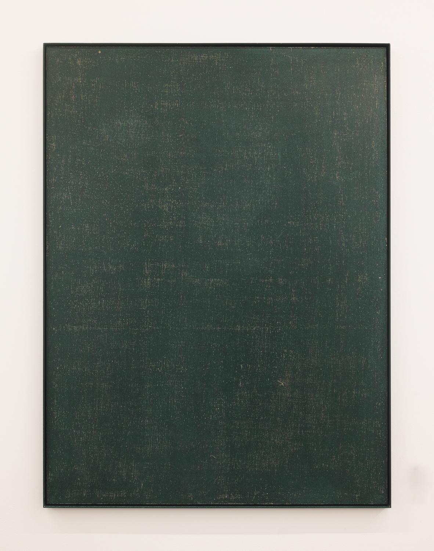black・board|Black board paint, cotton on panel, iron|1195 x 895 x 30 mm|2020<br><br>板に「黒板塗料」をまんべんなく塗ると「黒板」が出来る。「黒い塗料」を塗っても「黒板」にはならない。「黒く塗られた板」ができるだけだ。