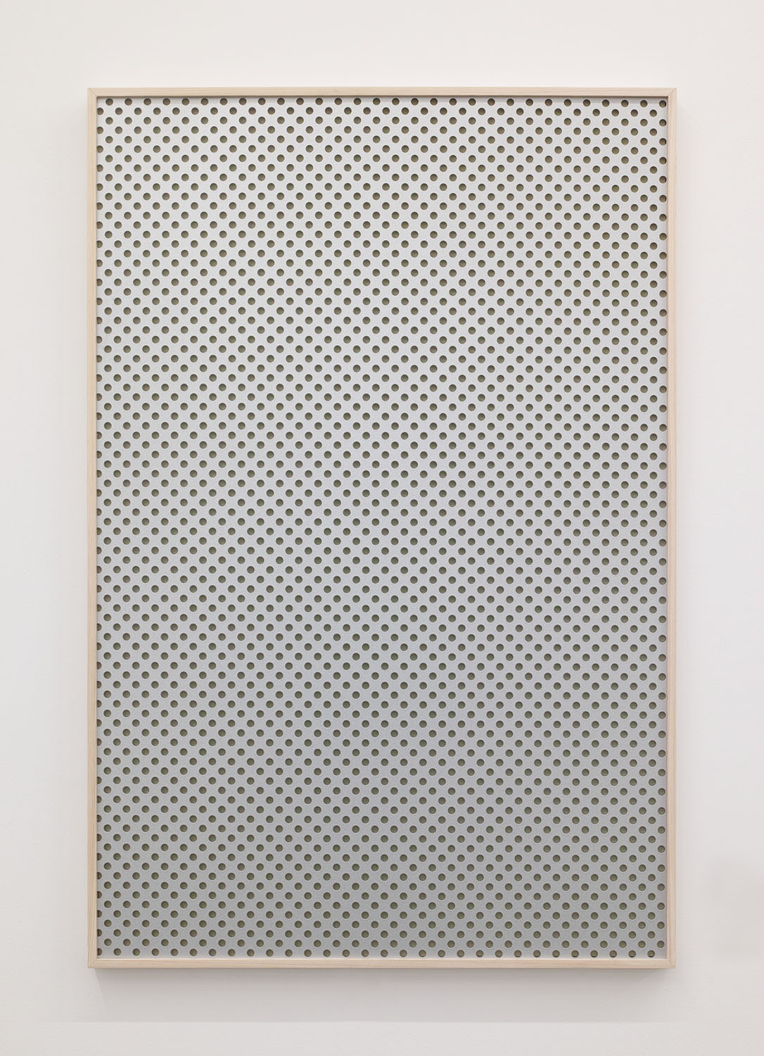 夜景/Night view|Perforated board, acrylic paint, luminescent pigment|915 x 612 x 30 mm|2020<br>¥150,000-250,000
