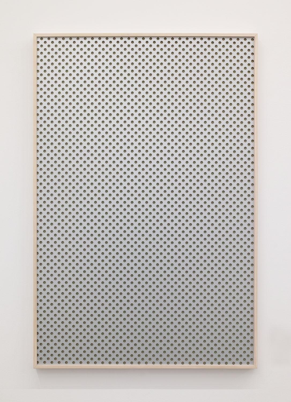 夜景/Night view|Perforated board, acrylic paint, luminescent pigment|915 x 612 x 30 mm|2020