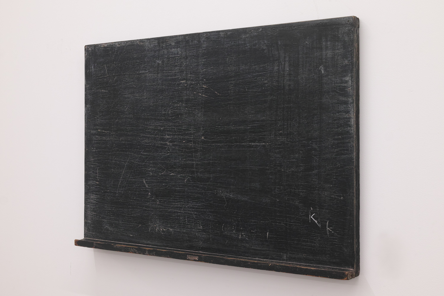 Initialize|Calk on old black board|610 x 905 x 65 mm|2020