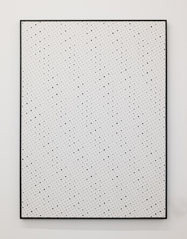 Two rules|Acrylic paint, cotton on panel, iron|1098 x 905 x 25 mm|2020<br><br>長さが1インチのものは、2.54 センチという長さでもある。モジュールが違うだけで、物理的には長さは同じだ。<br>数字を同じにして描く一辺1インチの正方形と、一辺1 センチの正方形は大きさの違う面積になる。一辺の数字が同じでも面積は違う。