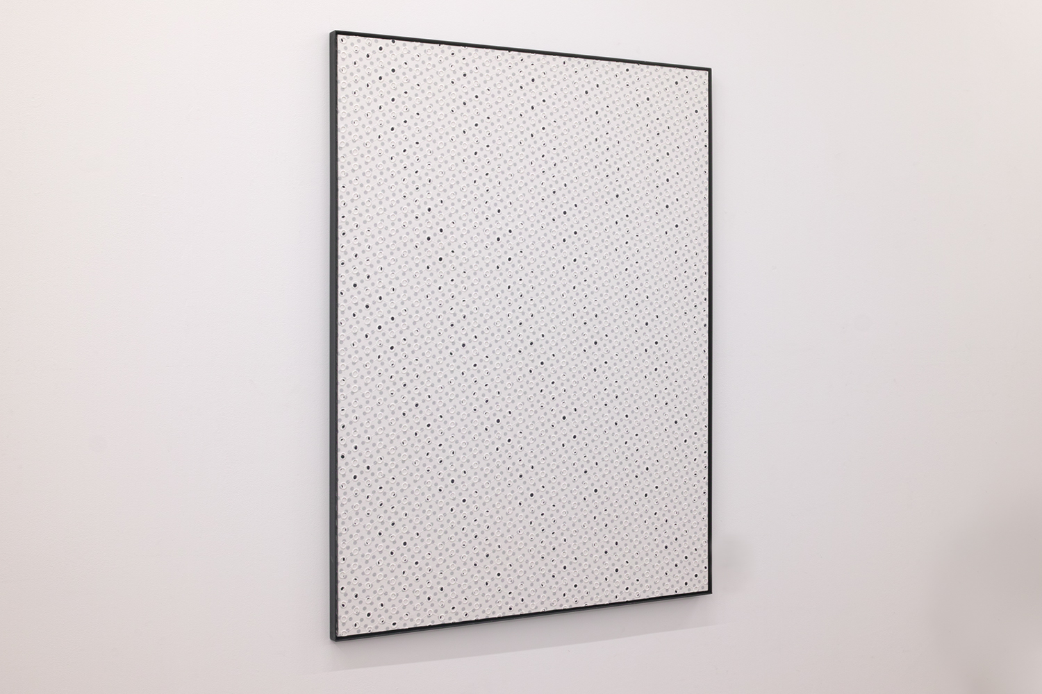 Two rules|Acrylic paint, cotton on panel, iron|1098 x 905 x 25 mm|2020<br>¥150,000-320,000