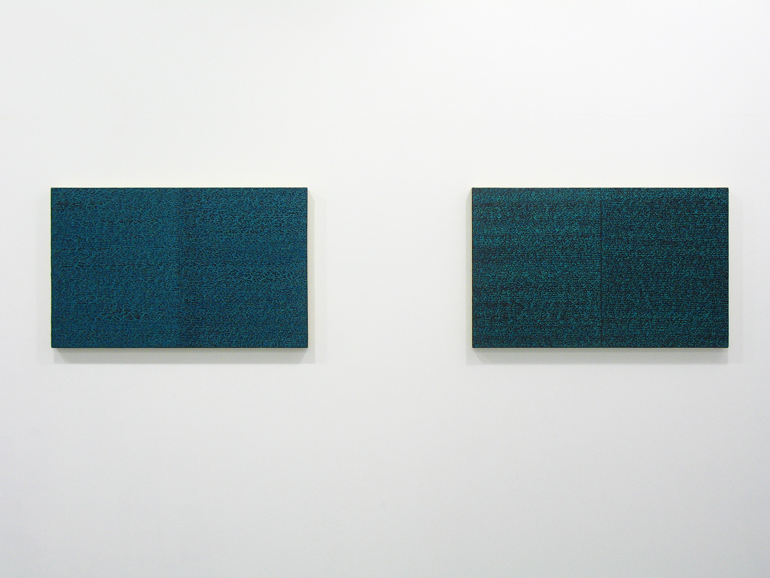 サイモン・フィッツジェラルド Simon Fitzgerald<br>Open Book green-green (left) Open Book green dark (right)<br>Oil, Amber on canvas over panel 37 x 60 cm<br>2008 each