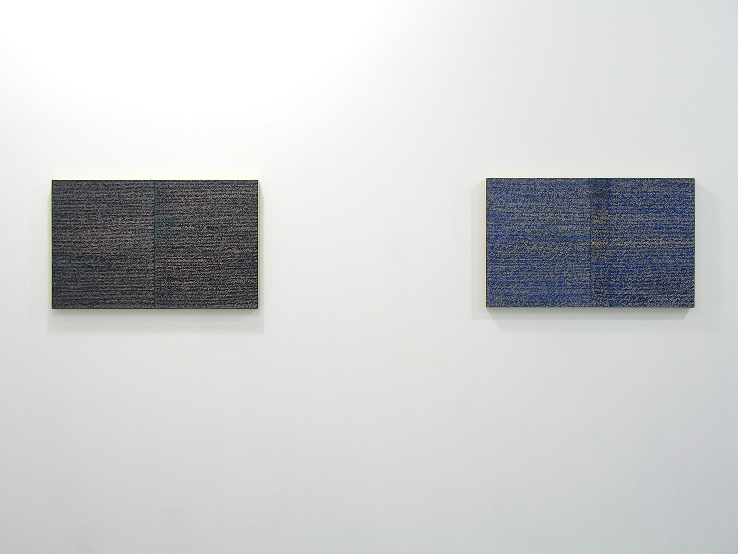 サイモン・フィッツジェラルド Simon Fitzgerald<br>Open Book pink-orange (left) Open Book yellow-blue (right)<br>Oil, Amber on canvas over panel, 37 x 60 cm<br>2008 each