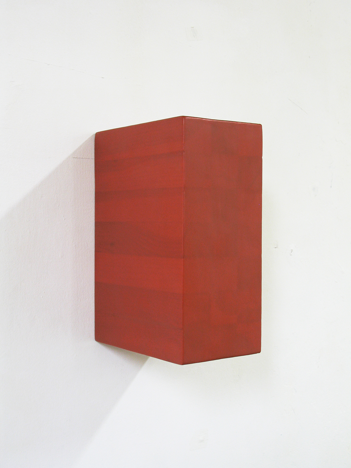 TS0005|Coloured resin on laminated soft wood|22.5 x 10 x 16 cm|2000