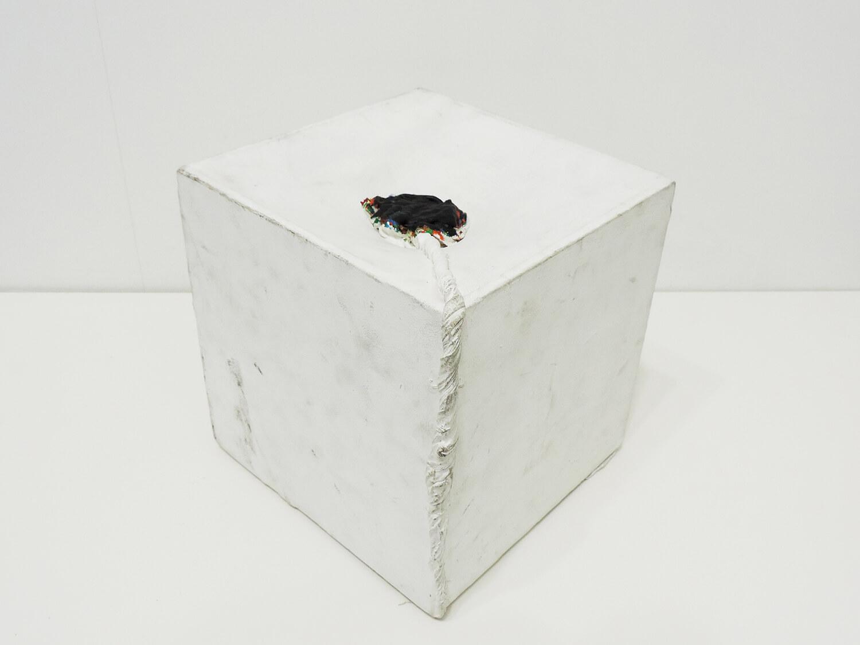 <b>Untitled</b><br>Acrylic on cloth on wood 24 × 24.1 × 24.2 cm 1994