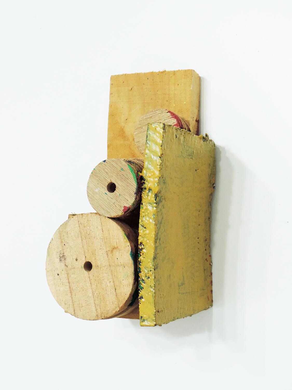 <b>Untitled</b><br>Acrylic on wood 21.2 × 10.8 × 11.8 cm 2006