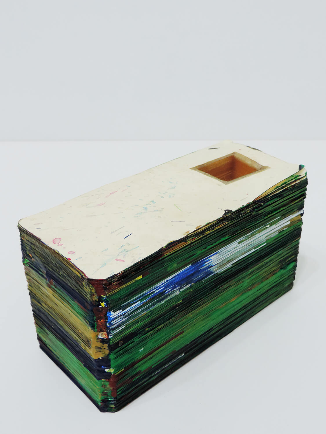 <b>Untitled</b><br>Acrylic on laminated paper 19 × 8.5 × 10.9 cm 2007