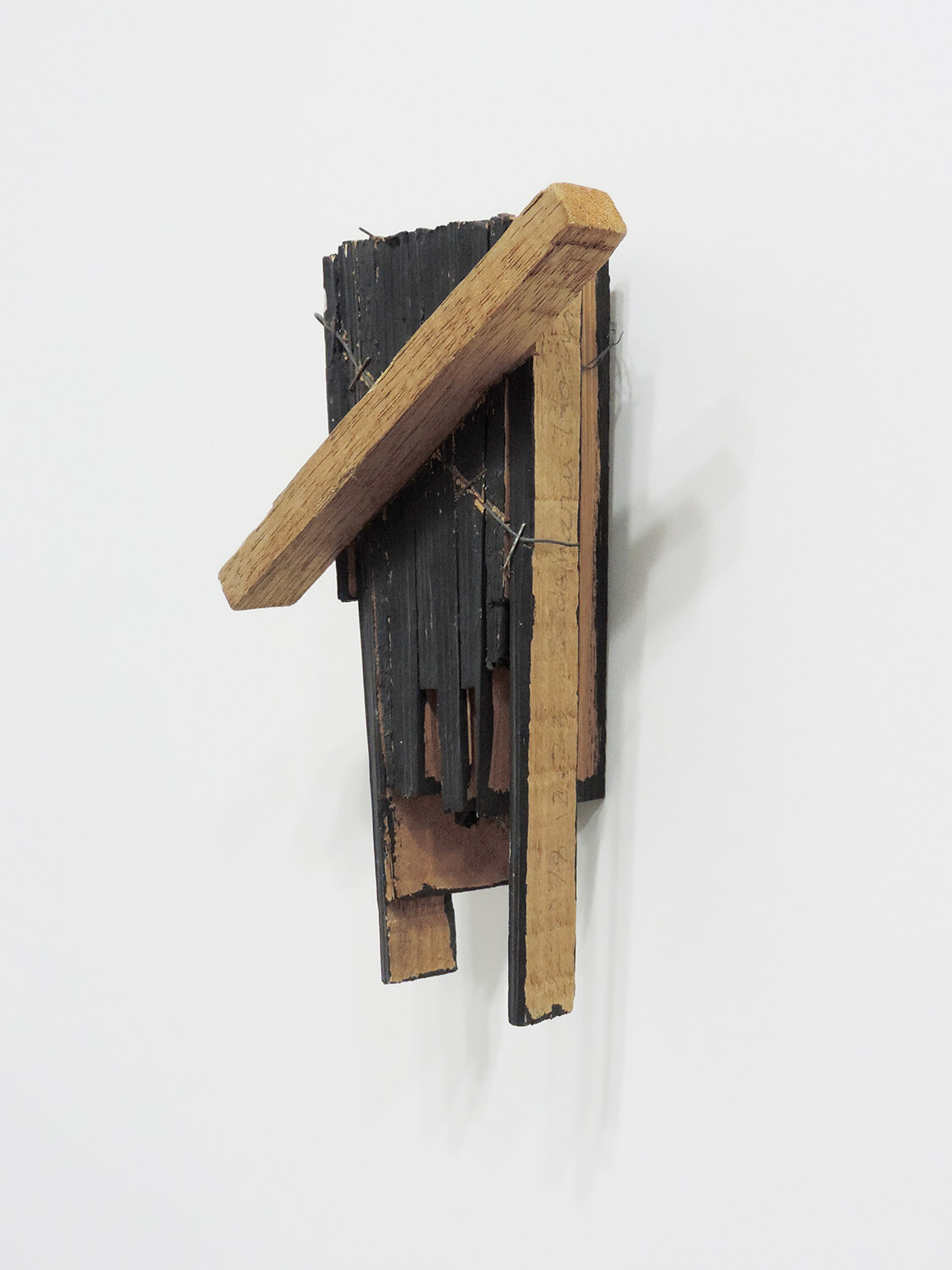 <b>Untitled</b><br>paint, wood, wire and staple 21 x 16.5 x 7.5 cm 1978