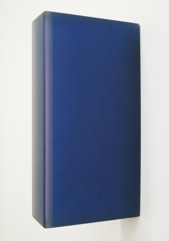 TS9523|Cast resin|35 x 7.5 x 18 cm|1995