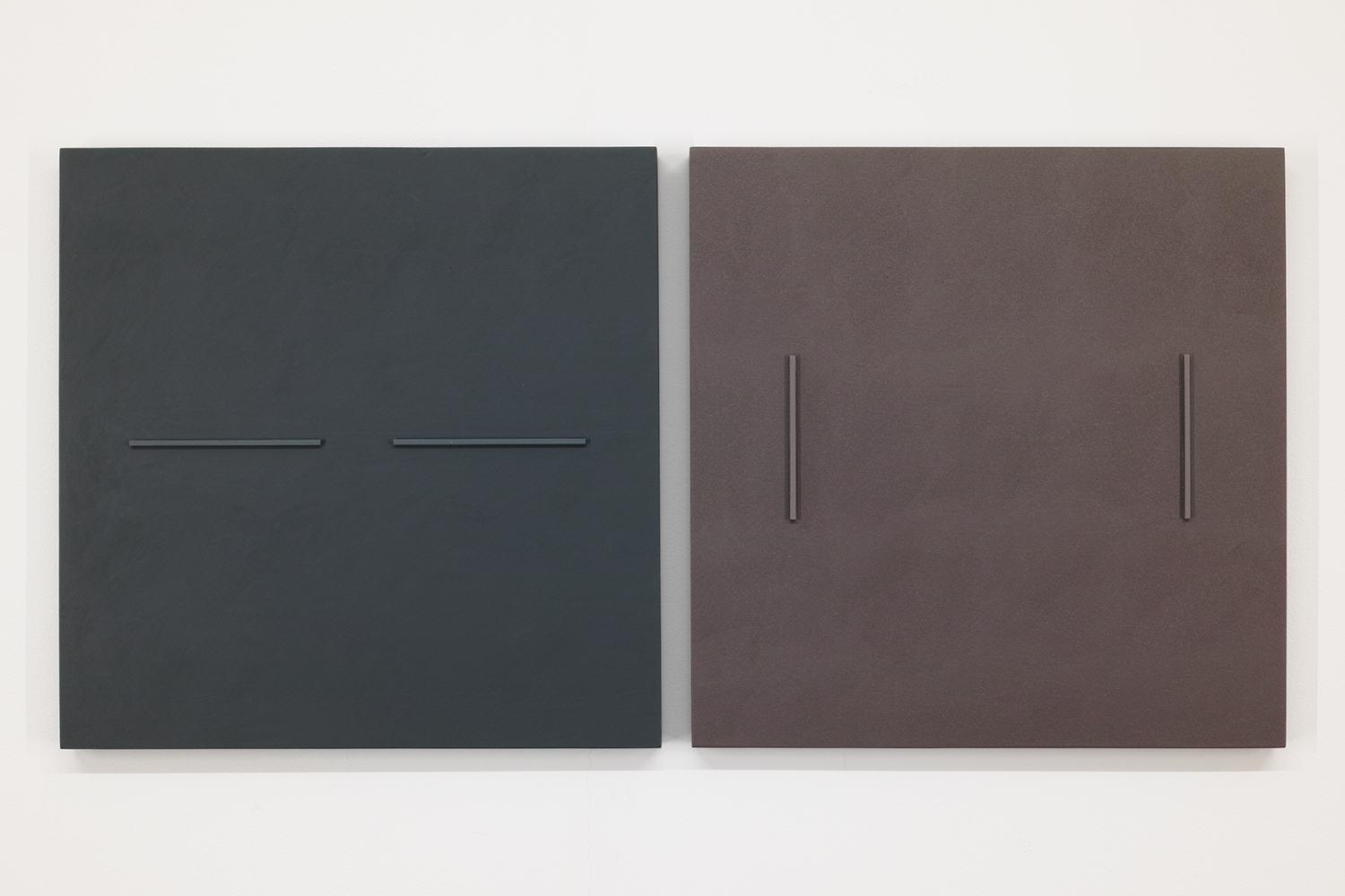 TS1815 (L) TS1812 (R)<br>Colour Gesso on Panel, 33.2 x 33.2 cm each (set of 2), 2018