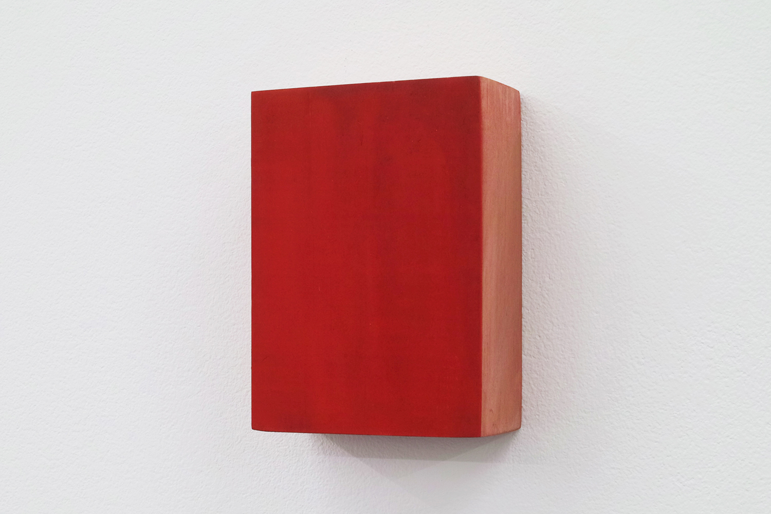 Text No. 434<br>pigment, acrylic on wood,  83 x 61 x 27 mm,  2003